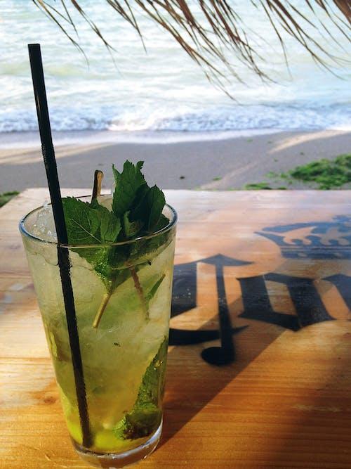Ilmainen kuvapankkikuva tunnisteilla cocktail, eksoottinen, juoma, juomalasi