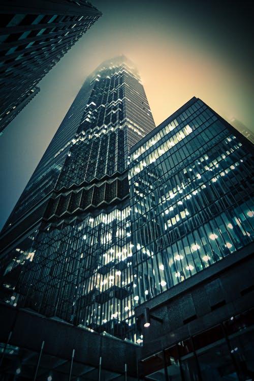 Immagine gratuita di centro città, grattacielo, inverno
