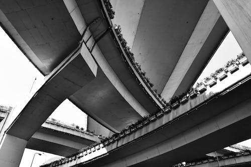 Foto stok gratis jalan kota, jembatan jalan, lalu lintas kota