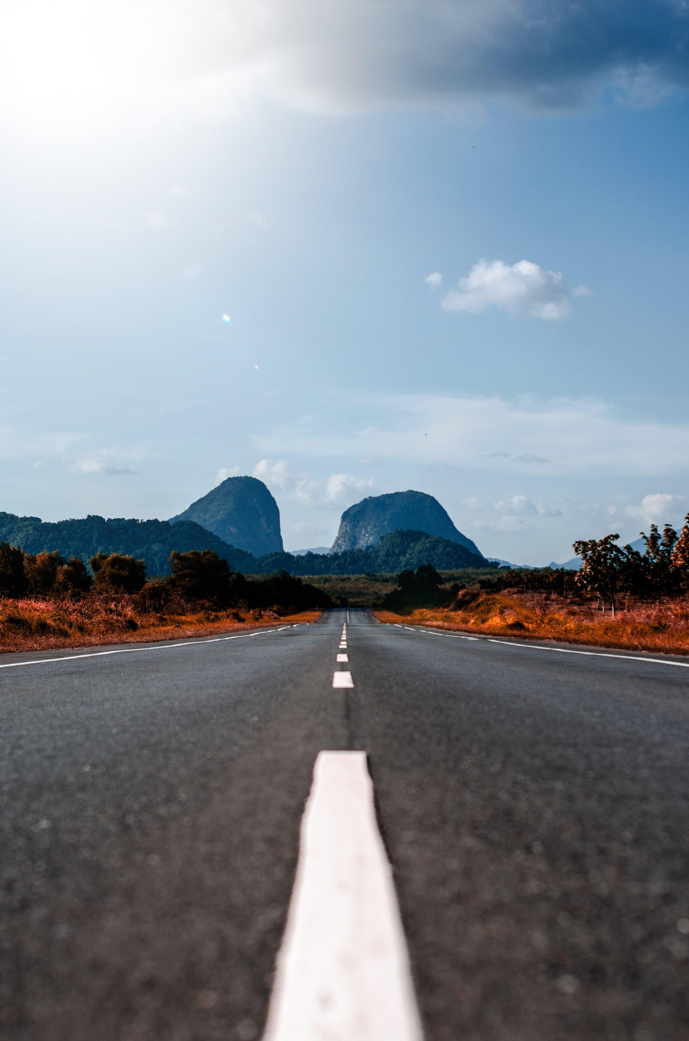Foto d'estoc gratuïta de asfalt, buit, carretera, paisatge