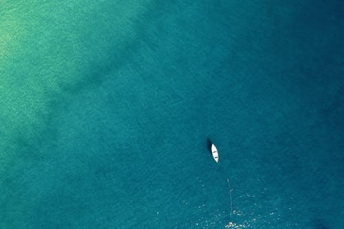 Fotobanka sbezplatnými fotkami na tému idylický, krajina pri mori, loď, malebný