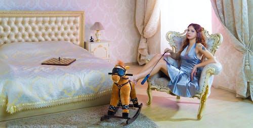 Fotobanka sbezplatnými fotkami na tému dievča, hračky, hrať (divadlo, humor