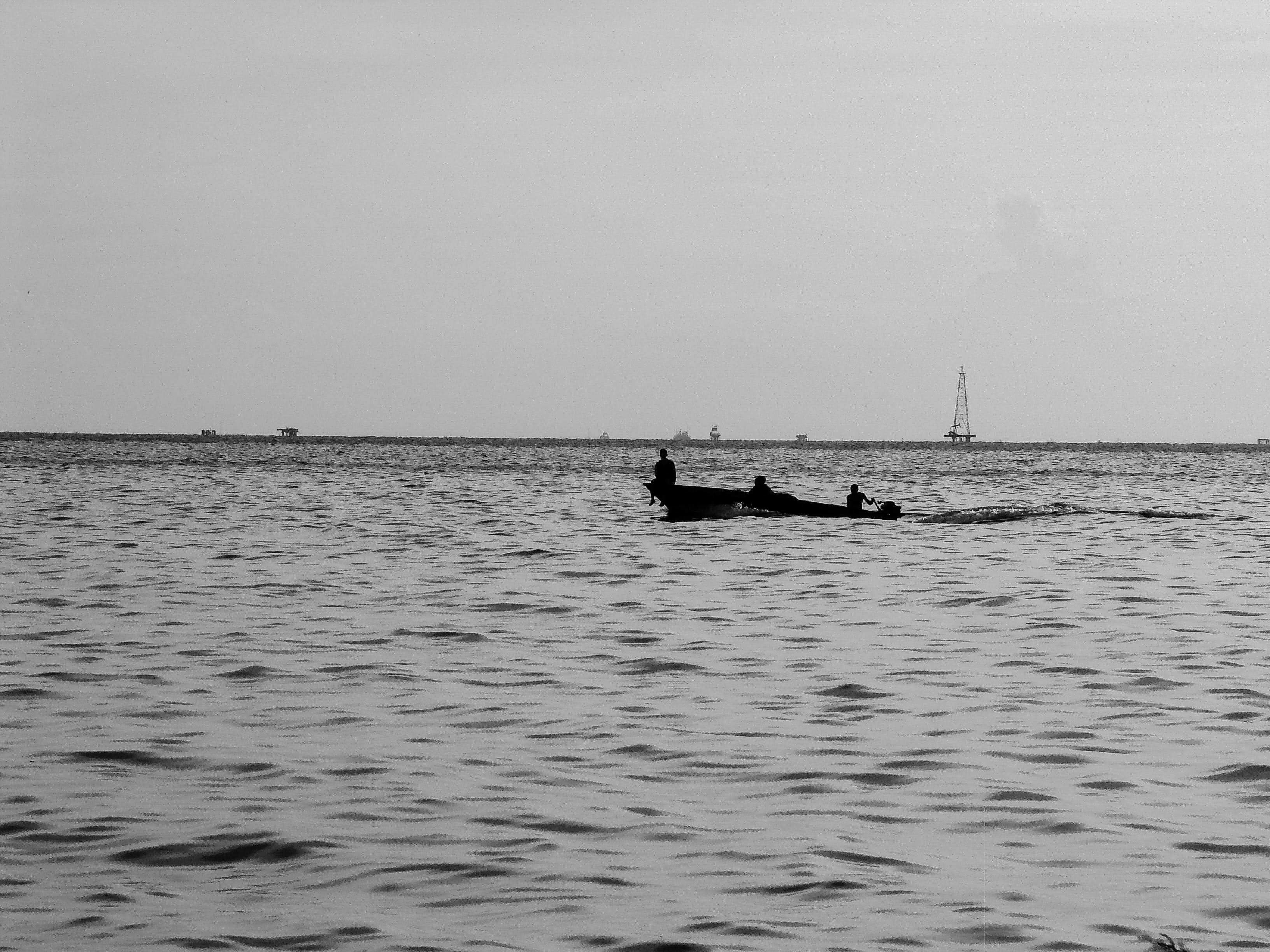 Foto d'estoc gratuïta de barca, feina, fons negre, foto