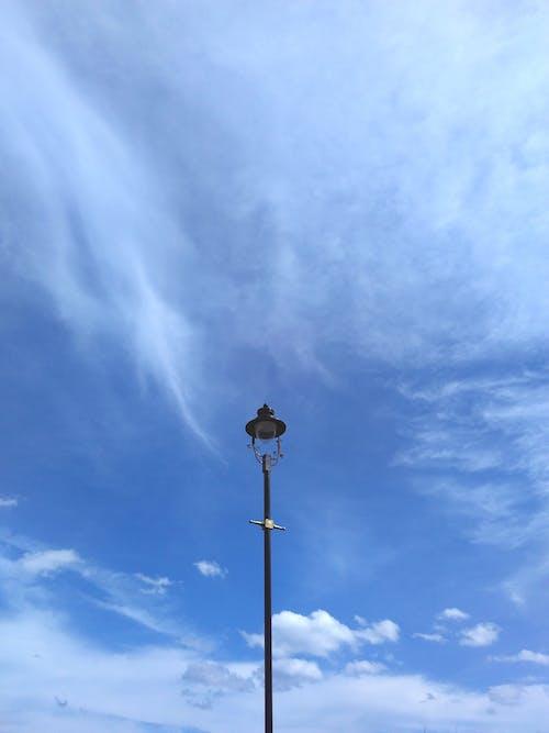 Kostenloses Stock Foto zu blauer himmel, himmel, klarer himmel, licht