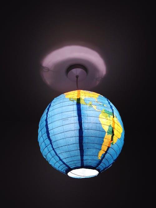 Kostenloses Stock Foto zu abbildung, deckenlampe, design, dunkel