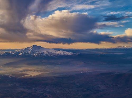 Gratis stockfoto met 4k achtergrond, bergtop, dageraad, decor