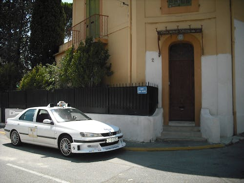 Free stock photo of taxi marseille peugeot 406