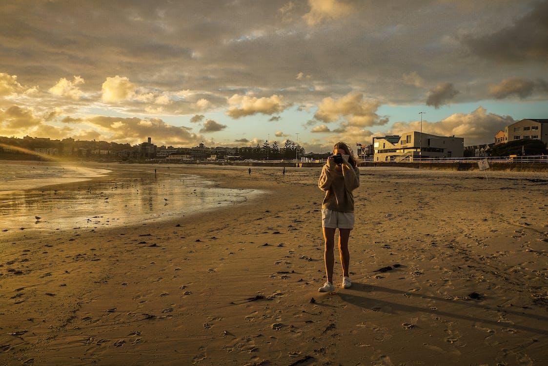 모래, 바다, 사람