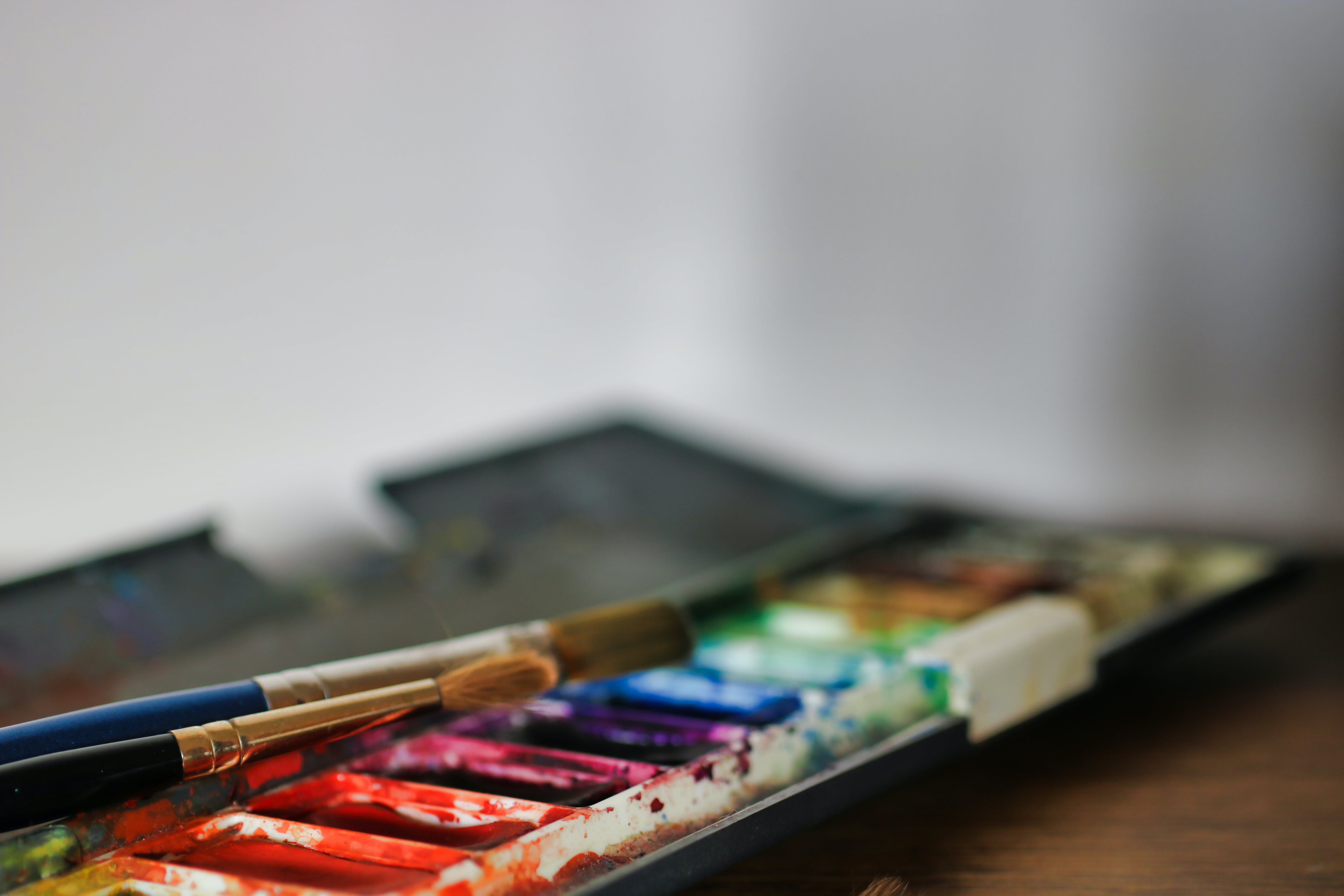 Selective Focus Photography of Paintbrushes and Palette