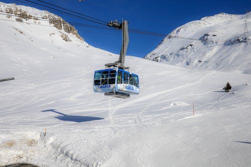 Δωρεάν στοκ φωτογραφιών με αναβατήρας σκι, βουνά, γραφικός, θέρετρο σκι