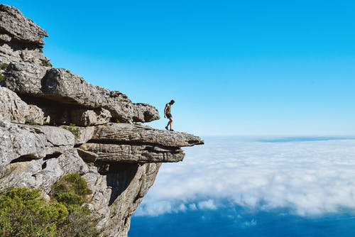 경치가 좋은, 구름, 남자, 바위의 무료 스톡 사진