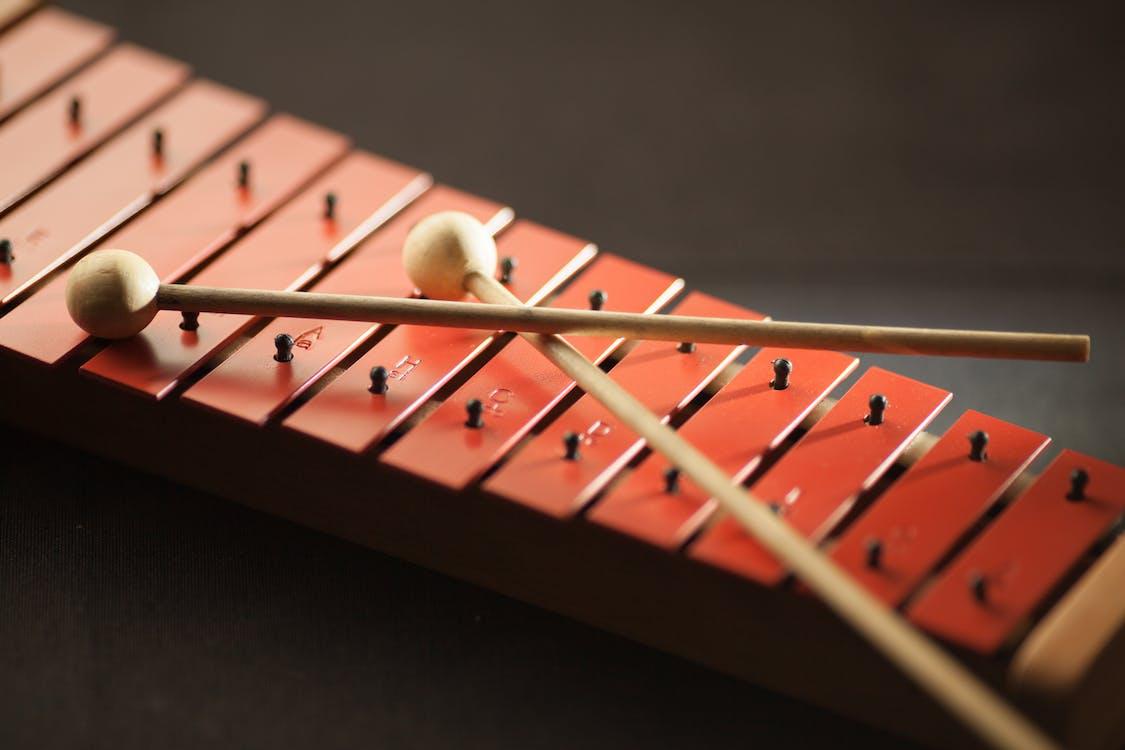 close, cor, instrumento