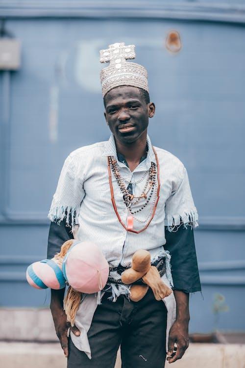 Kostenloses Stock Foto zu afroamerikaner, farben, jugend, mann