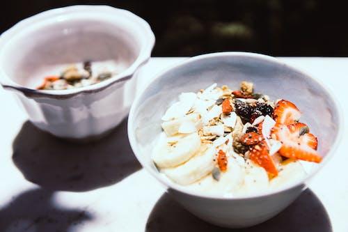 Foto profissional grátis de alimento, almoço, bacia, banana