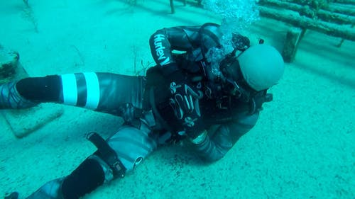 Free stock photo of bleeding control, dive, dive master, dive tourniquet