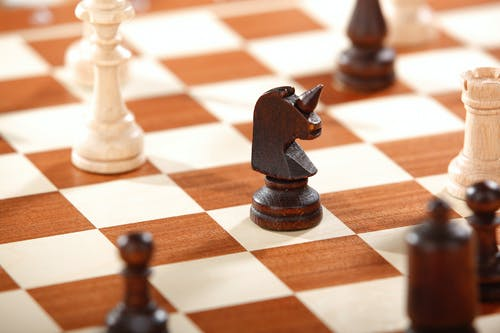 Foto d'estoc gratuïta de casa de préstecs, cavaller, escacs, joc