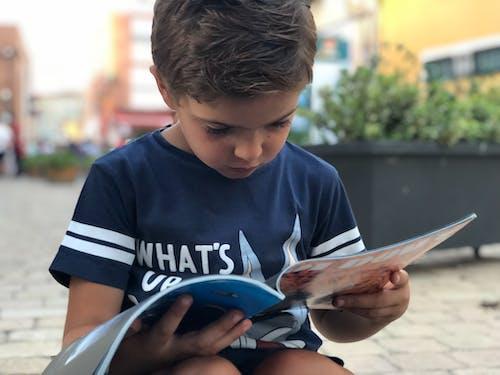 Základová fotografie zdarma na téma čtení, dítě