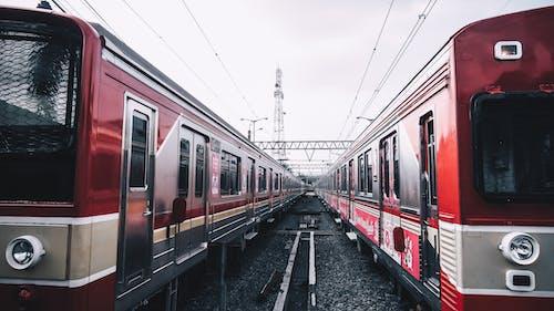 Foto stok gratis angkutan, kendaraan, kendaraan umum, kereta api