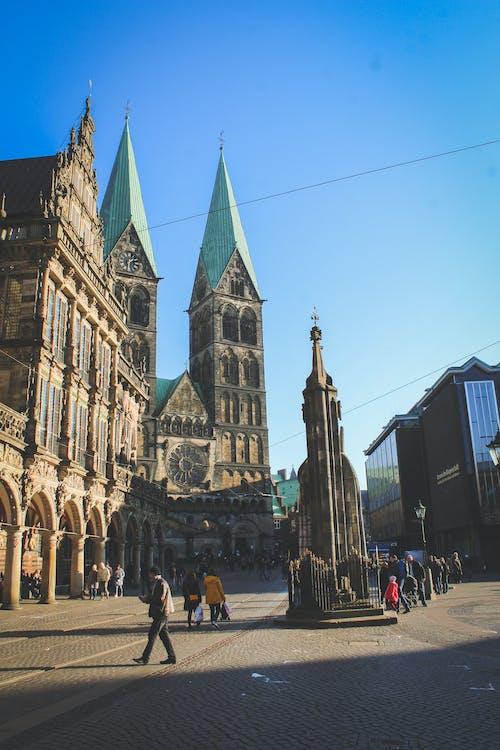 Ingyenes stockfotó felhőkarcolók, templom, történelmi központ témában