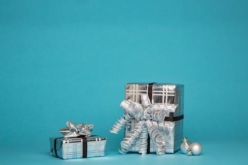 Ingyenes stockfotó ajándékdoboz, ajándékok, becsomagolt, bemutat témában