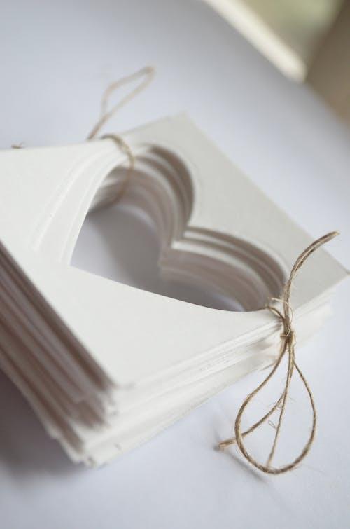 Δωρεάν στοκ φωτογραφιών με γαμήλια τελετή, ετικέτες, καρδιά, πρόσκληση