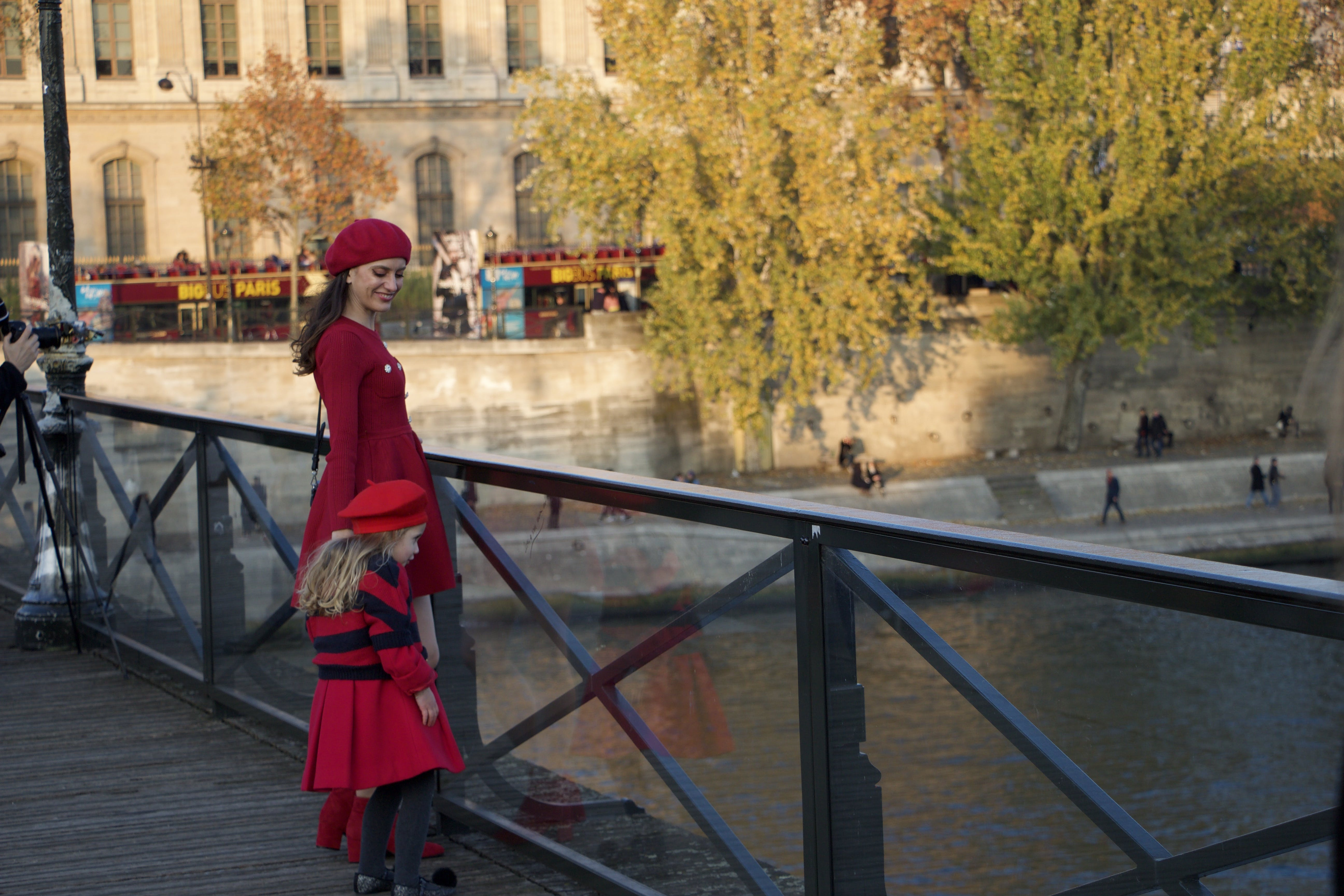 Free stock photo of daughter, mother, parisian, relation
