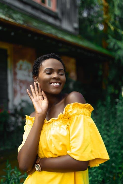 ほほえむ, アフリカ系アメリカ人女性, スマイル, ドレスの無料の写真素材
