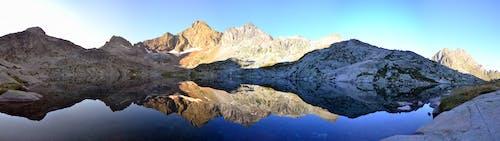 Fotobanka sbezplatnými fotkami na tému hora, krajina, malebný, odlesk