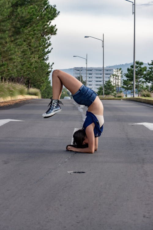 Foto stok gratis dance, jalan, jalan aspal, kehidupan kota