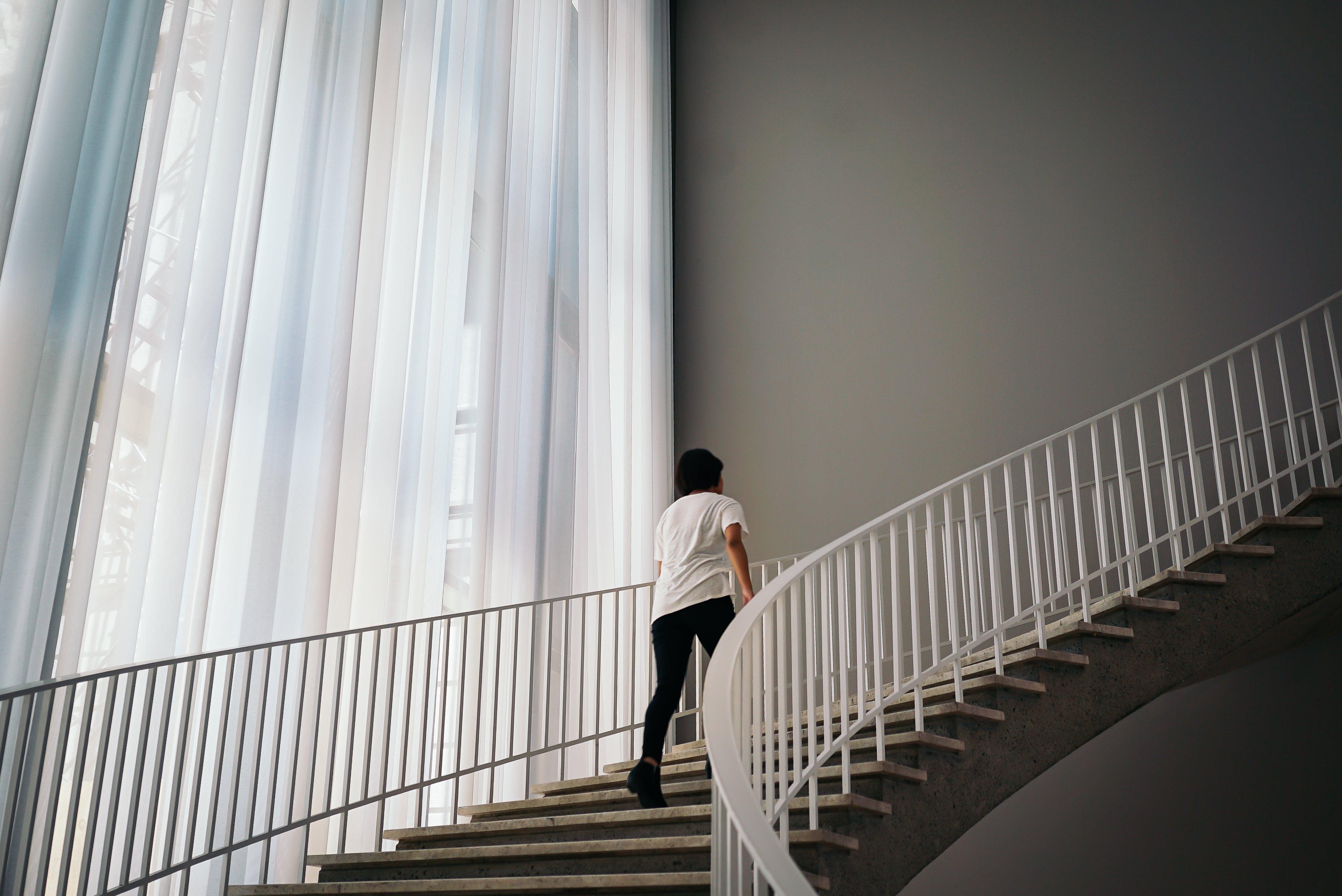 Immagine gratuita di architettura, dentro, edificio, interni