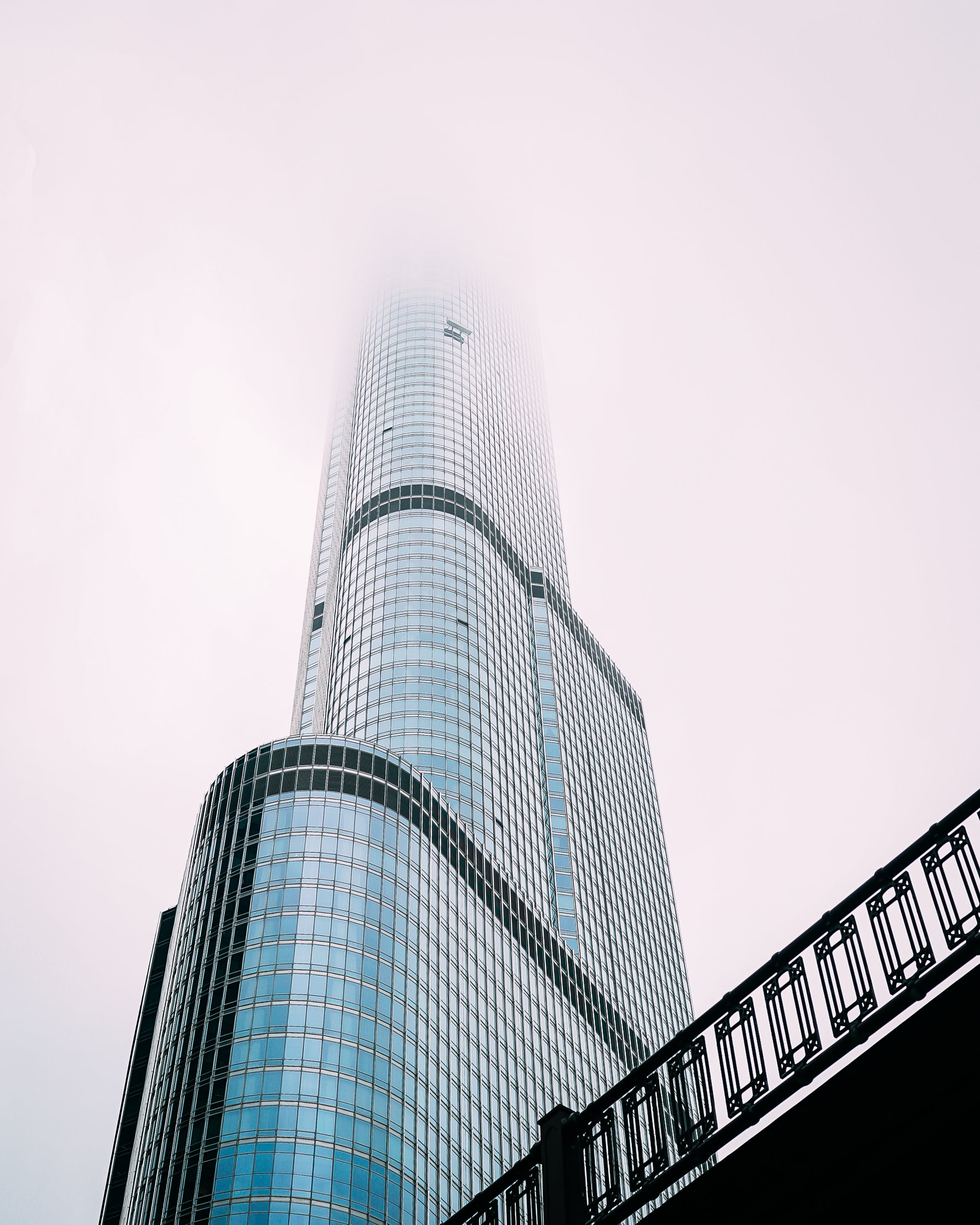 bakış açısı, bina, bulut, bulutlu içeren Ücretsiz stok fotoğraf