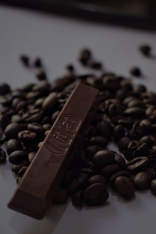 arshad sutar, čierna káva, čokoláda