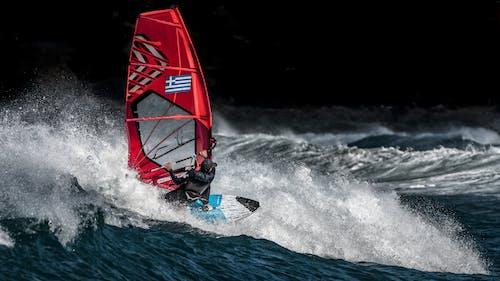 atlet, dalga kırılması, dalgalar, deniz içeren Ücretsiz stok fotoğraf