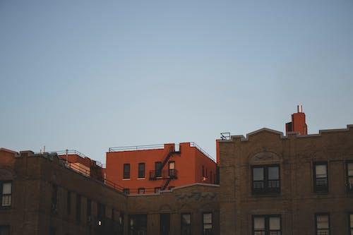 Kostenloses Stock Foto zu architektur, außen, blauer himmel, dämmerung
