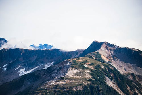 Kostenloses Stock Foto zu abenteuer, berg, gipfel, hoch