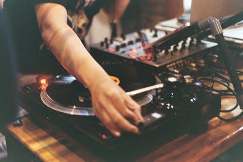Δωρεάν στοκ φωτογραφιών με dj, DJ Mixer, jockey δίσκου, vintage