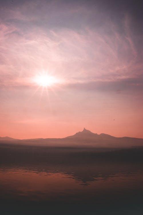太陽, 太陽の光, 山岳