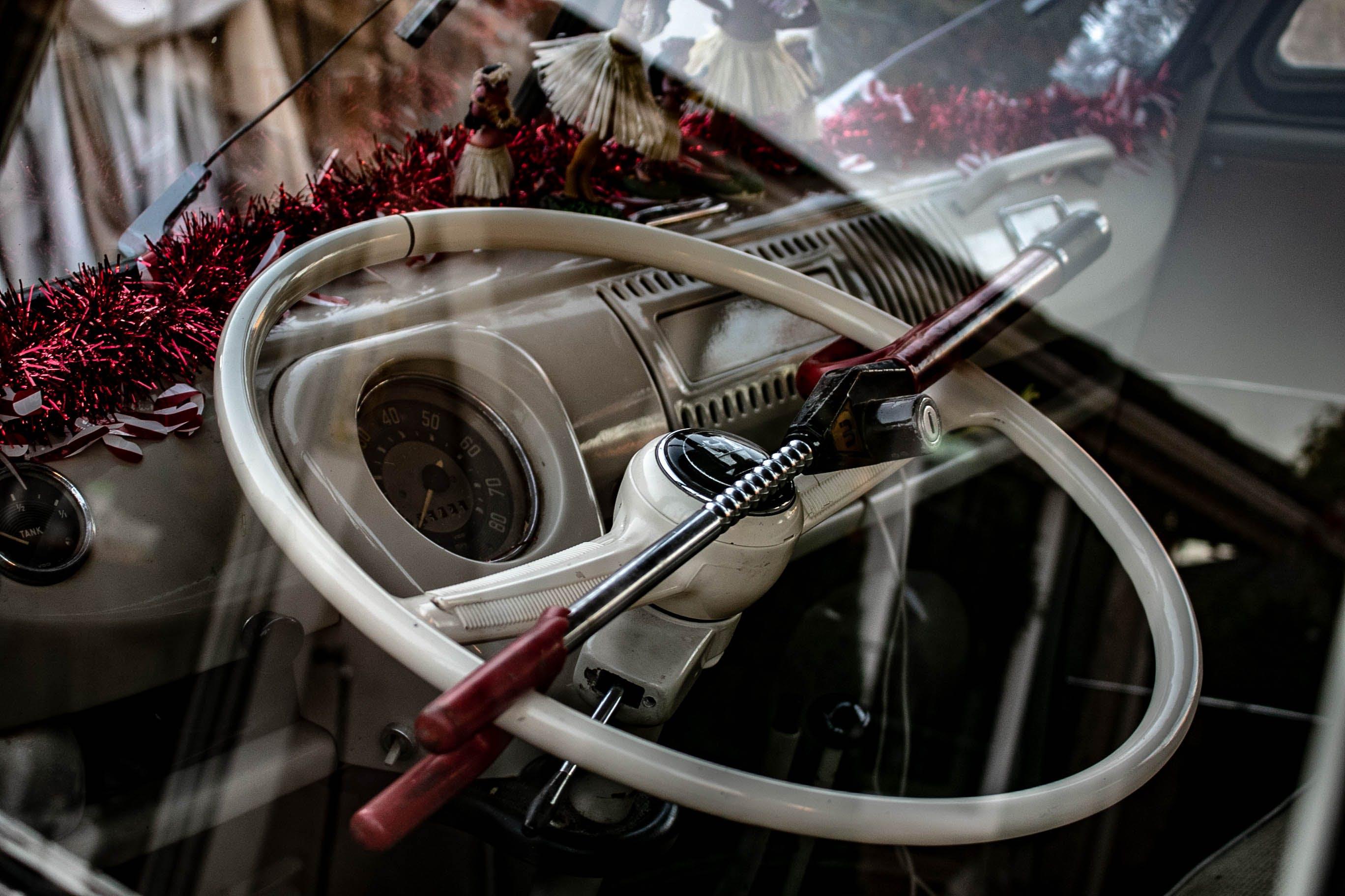 Steering Wheel With Lock