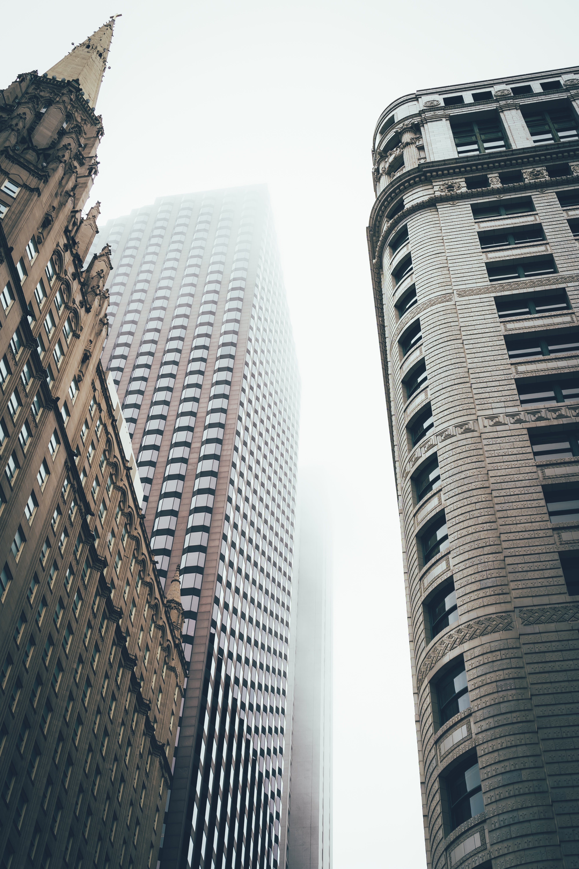 Ingyenes stockfotó alacsony szögű fényképezés, belváros, építészet, épületek témában