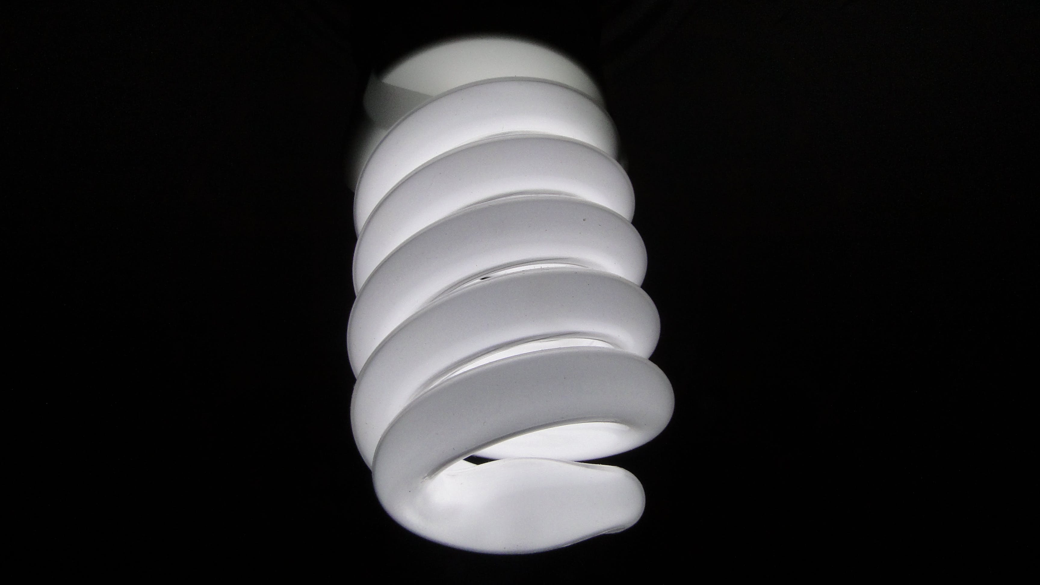 Spiral White Light Bulb