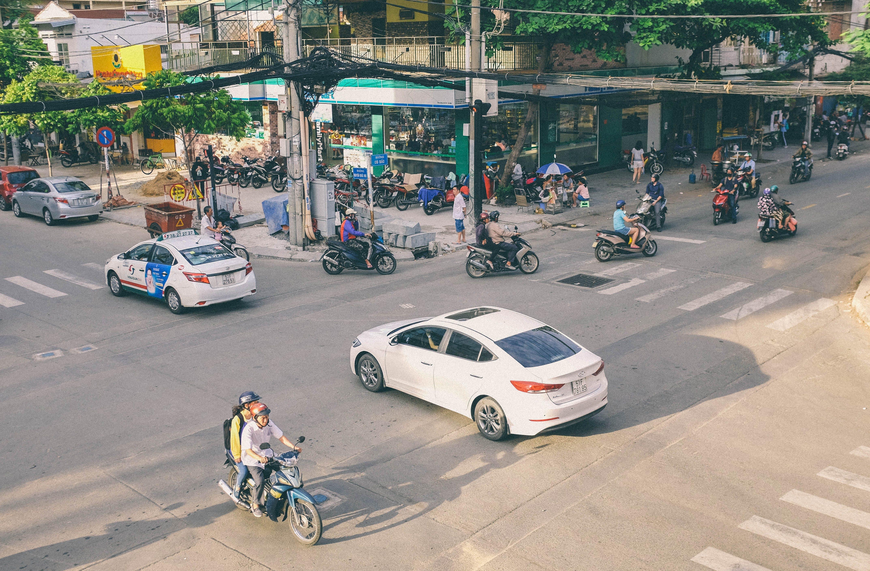 Fotos de stock gratuitas de almacenar, asiático, calle, coches