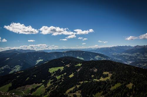 Fotobanka sbezplatnými fotkami na tému biotop, horský hrebeň, horský vrchol, hory