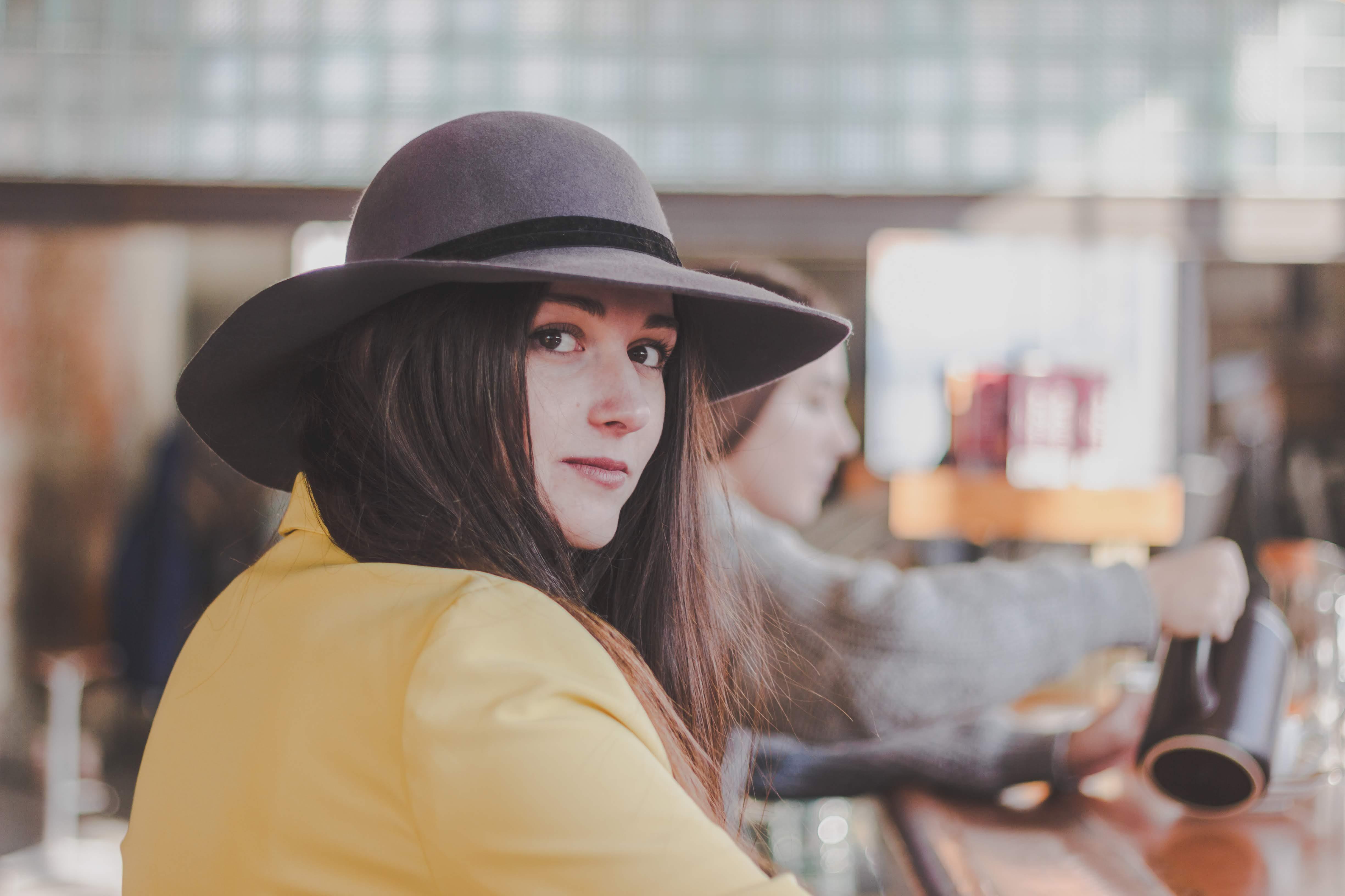Základová fotografie zdarma na téma hezký, klobouk, krásný, móda