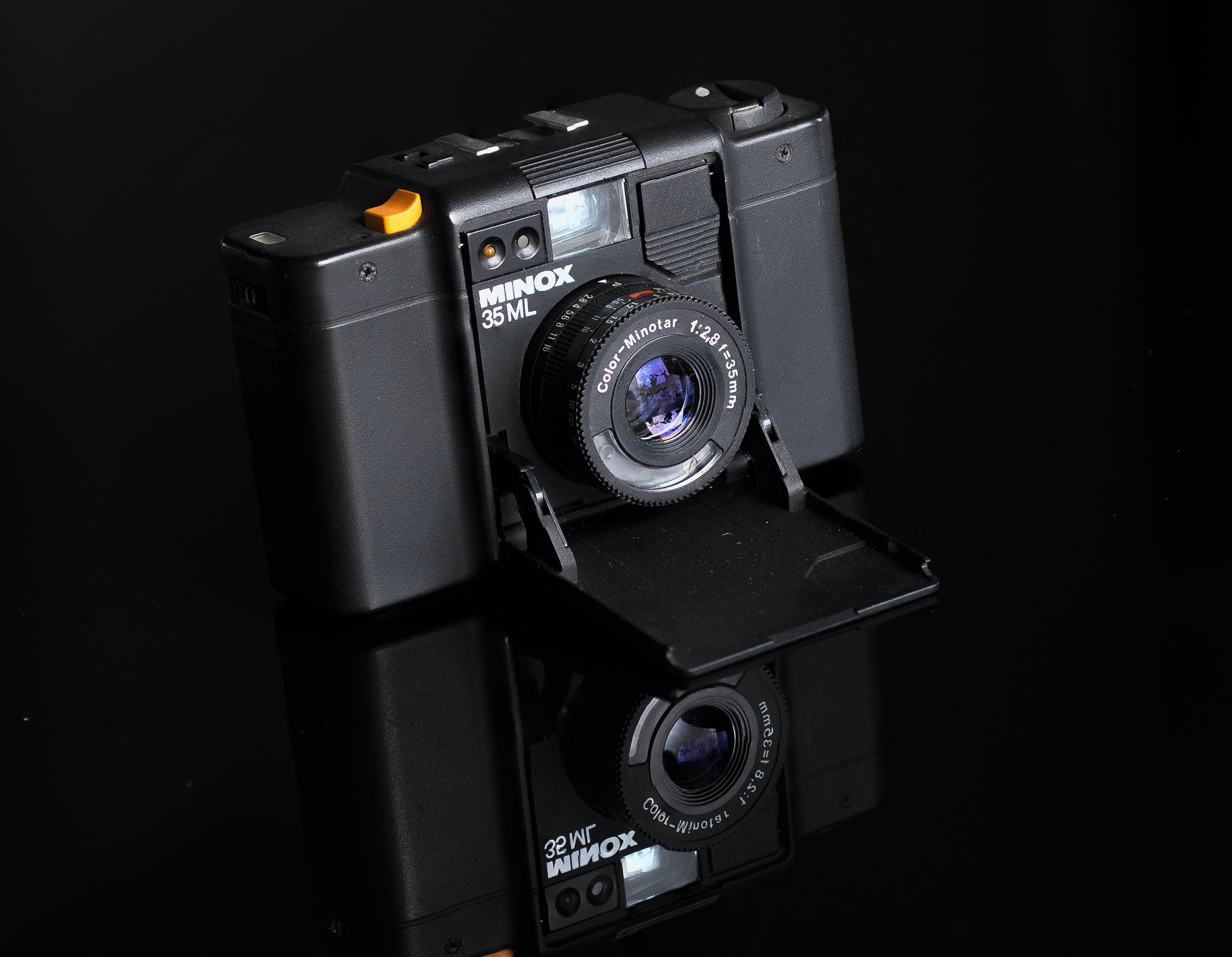 Black Minox 35 Ml Camera