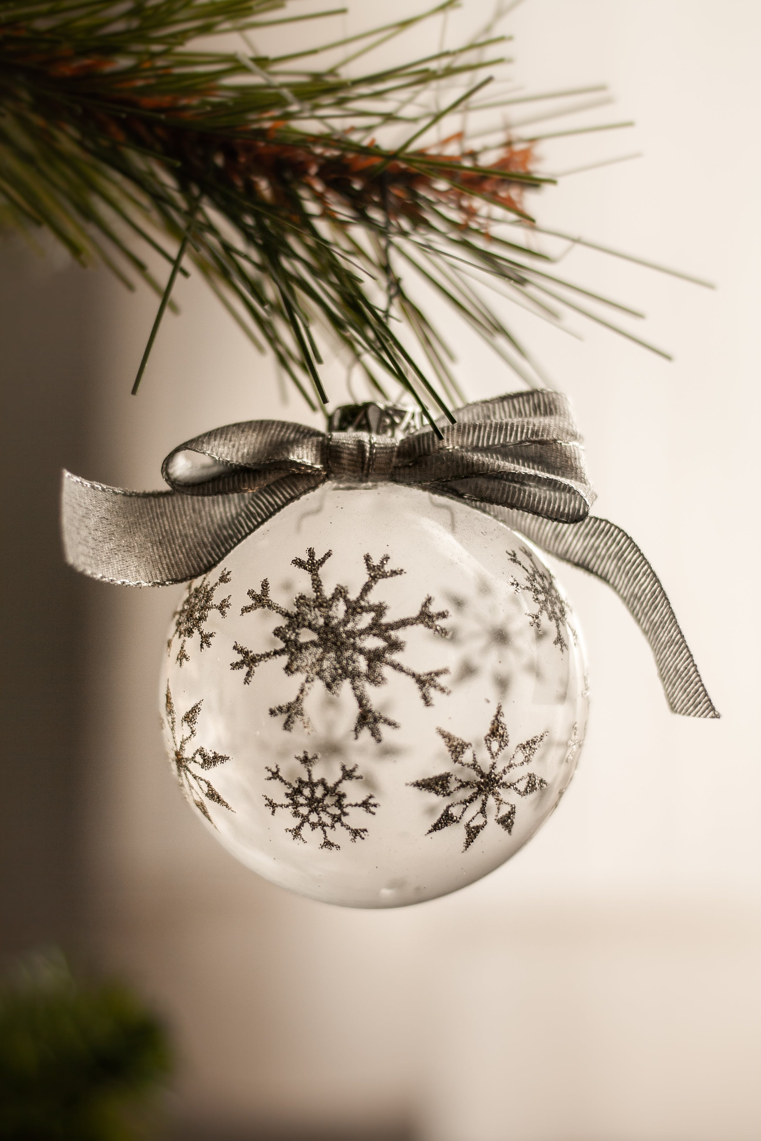 Gratis lagerfoto af close-up, hængende, juledekoration, julekugle