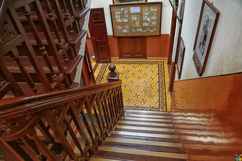 Darmowe zdjęcie z galerii z balustrada, drewniana poręcz, drewniany, drewno