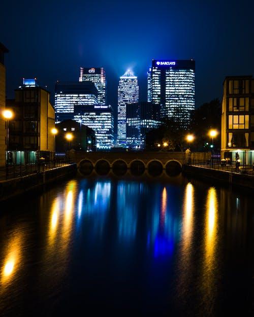 Fotos de stock gratuitas de banca, Canary Wharf, edificios, exposición larga