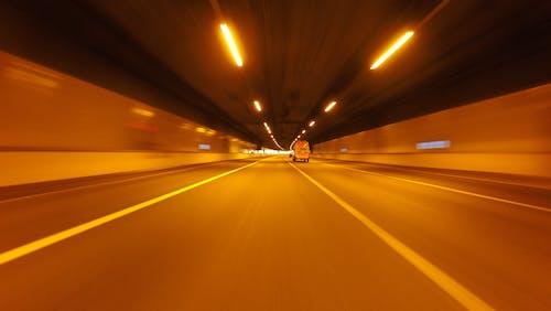 Photos gratuites de action, asphalte, autoroute, brouiller