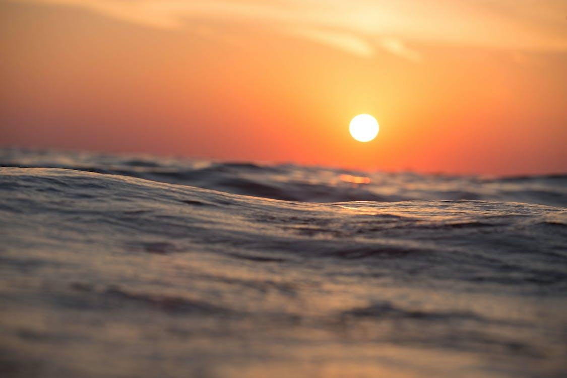mávání, moře, mraky