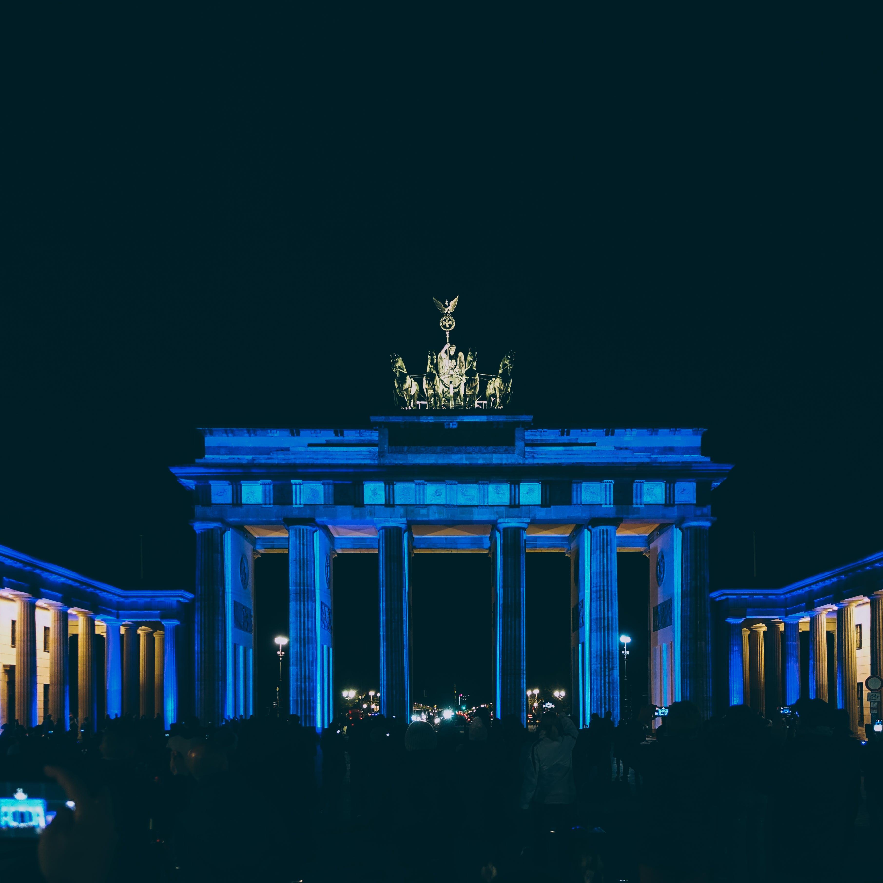 Free stock photo of architecture, building, columns, dark